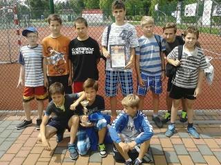 Powiatowe rozgrywki piłkarskie szkół podstawowych - Husów na podium